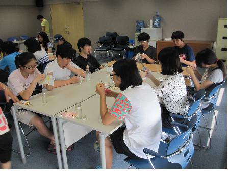 [청소년 기자단 소식] 냅킨을 이용한 유리병의 재탄생
